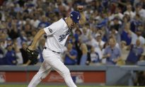 Dodgers Beat Cubs 6–0 for NLCS Lead