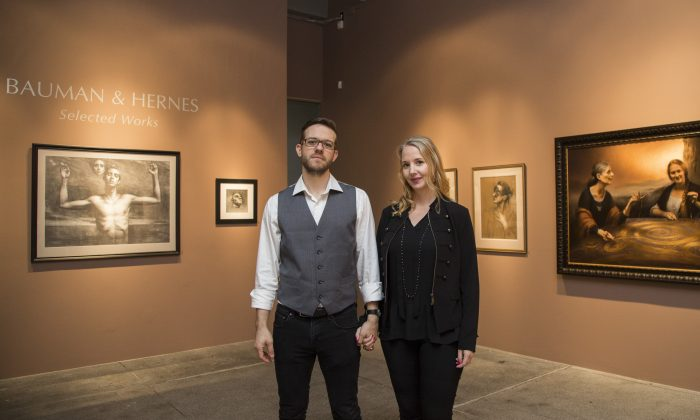 """Stephen Bauman and Cornelia Hernes at their """"Selected Works"""" exhibition opening at The Florence Academy of Art US located at Mana Contemporary in Jersey City on Oct. 30, 2016. (Samira Bouaou/Epoch Times)"""