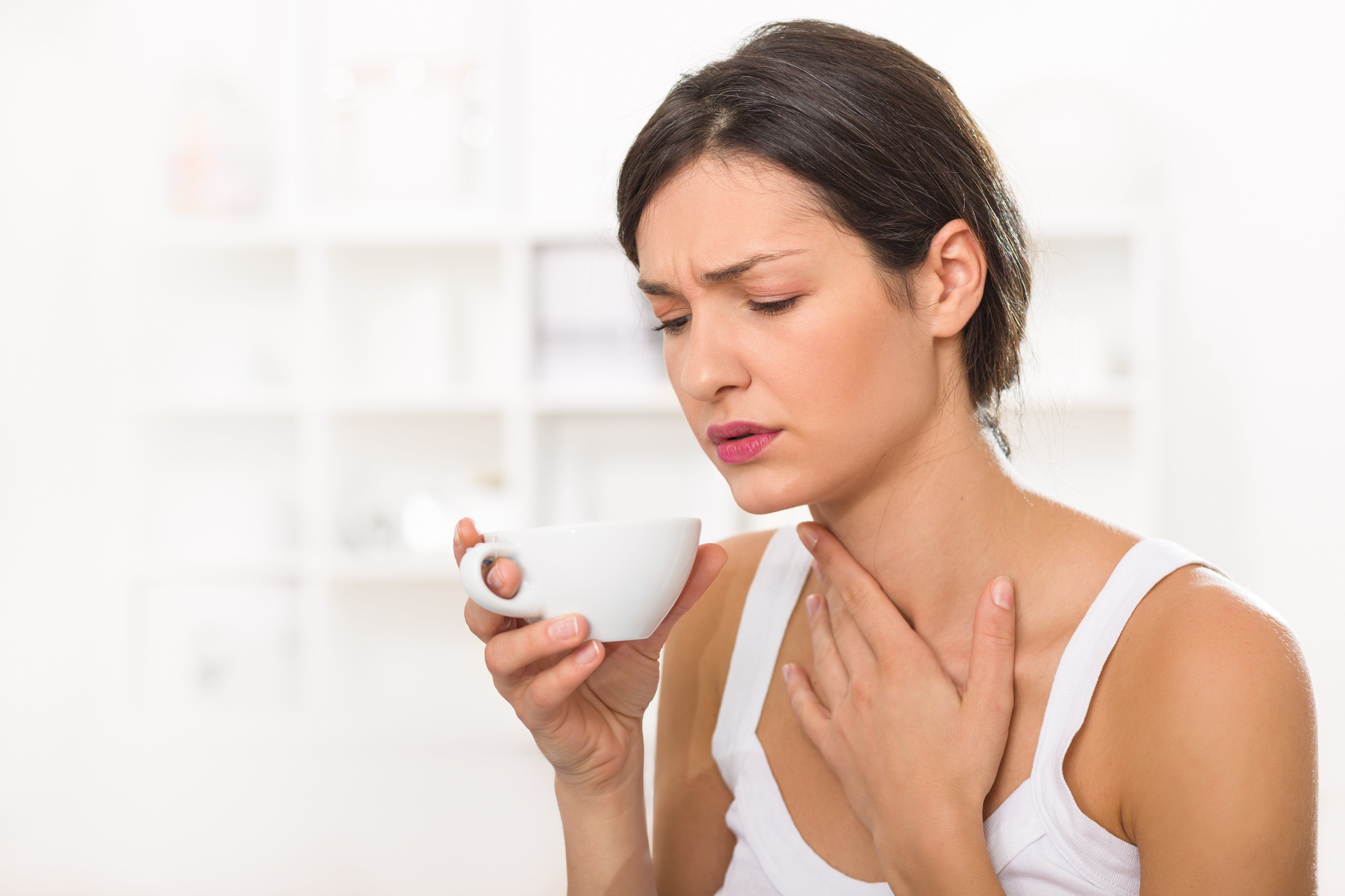 8 Best Essential Oils for Sore Throats