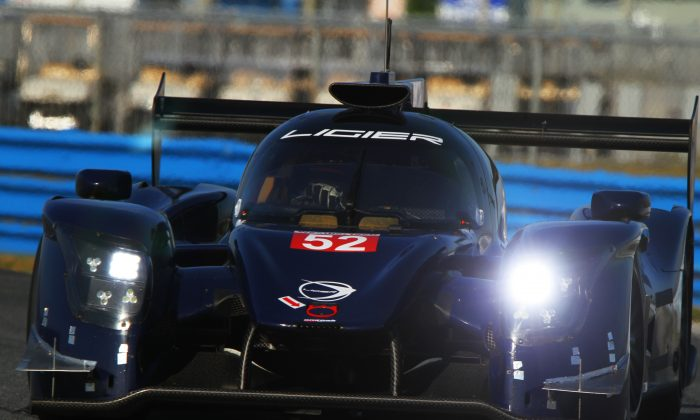 The #52 PR1/Mathiasen Motorsports Ligier JS P217 Gibson was the only FIA-legal P2, and the only car eligible for IMSA's DPi class, to show up at the test. Its appearance, its performance, and its engine note gave fans hope for the future. (Chris Jasurek/Epoch Times)