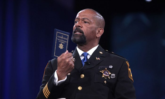 Sheriff David Clarke speaking at the 2016 Conservative Political Action Conference (CPAC) in National Harbor, Maryland. (Creative Commons)