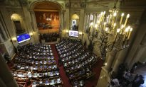 Colombian Congress Ratifies Peace Deal; Critics Boycott Vote