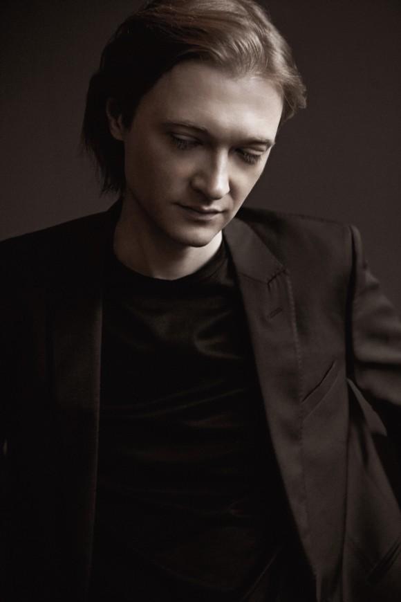 Dmitri Levkovich (Lisa-Marie Mazzucco)