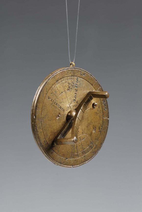 portable-universal-sundial
