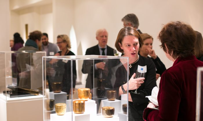 Press reception for the upcoming Asia Week 2017 at the Erik Thomsen Gallery in New York on Dec. 8, 2016. (Benjamin Chasteen/The Epoch Times)