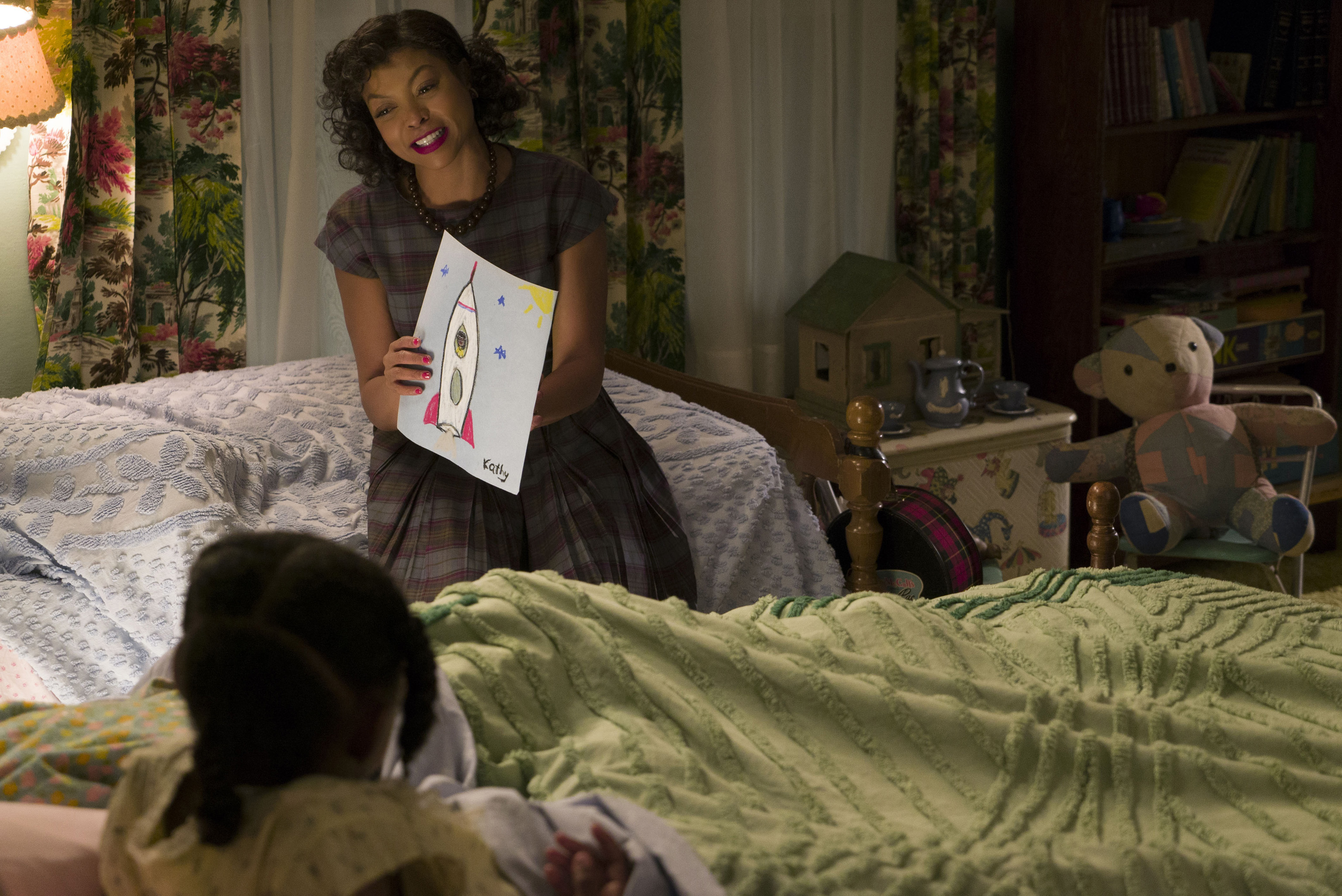 DF-02518_R - Taraji P. Henson stars as Katherine Johnson in HIDDEN FIGURES. Photo Credit: Hopper Stone.