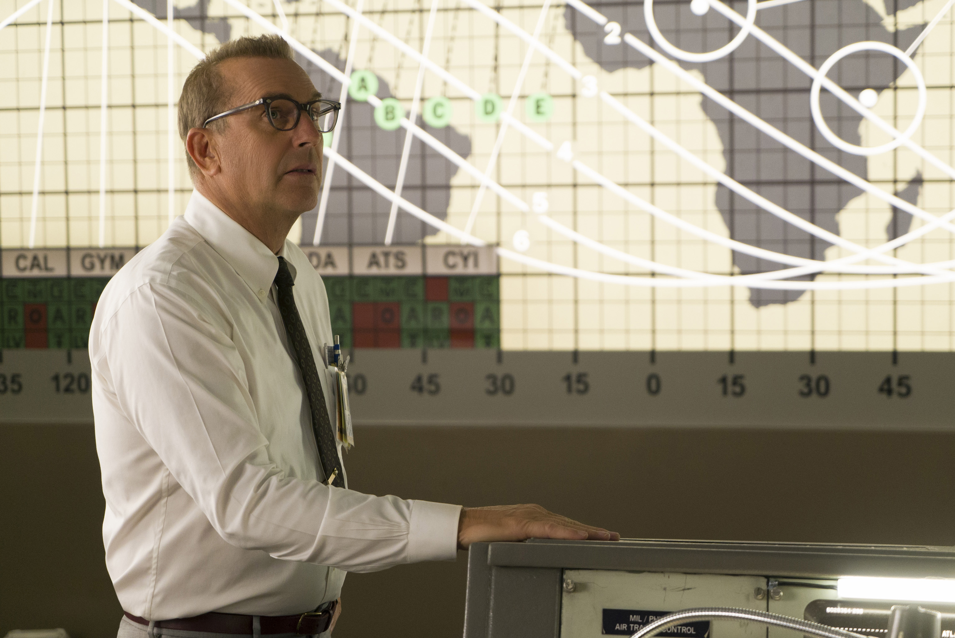DF-06401_R - Kevin Costner stars as NASA official Al Harrison, in HIDDEN FIGURES. Photo Credit: Hopper Stone.