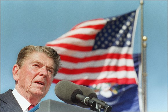 US President Ronald Reagan gives a speech at the dedication of the library bearing his name in Simi Valley, Calif. on Nov. 4, 1991. (J. DAVID AKE/AFP/Getty Images)