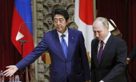 Putin Agreed to Strictly Enforce North Korea Sanctions, Says Abe