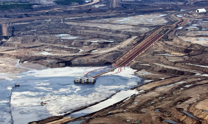 An oil sands facility near Fort McMurray, Alberta seen in a file photo. (The Canadian Press/Jeff McIntosh)