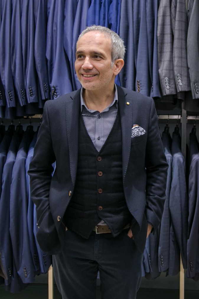 SAYKI owner Hatem Sayki at the grand opening and holiday cocktail event of his first store in New York on Dec. 15, 2016. (Benjamin Chasteen/Epoch Times)