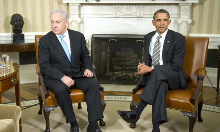 US President Barack Obama (R) meets with Israeli Prime Minister Benjamin Netanyahu in the Oval Office of the White House in Washington, DC, May 20, 2011. (JIM WATSON/AFP/Getty Images)