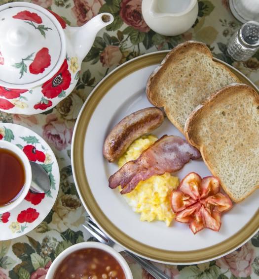 The Full Monty breakfast. (Samira Bouaou/Epoch Times)
