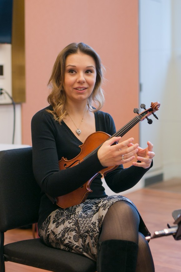 Attacca Quartet violinist Amy Schroeder talks about what music means to her during interview with the Epoch Times in New York City on Dec. 7, 2016. (Benjamin Chasteen/The Epoch Times)