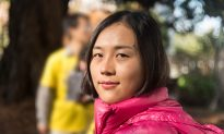 College Student Overcomes Fear of Persecution in China