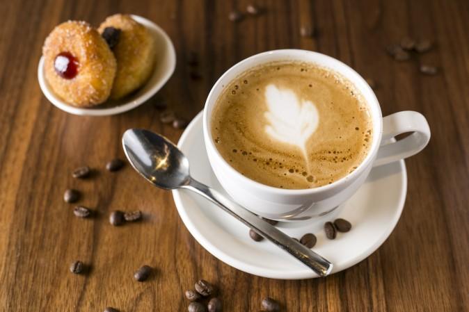 Latte and mini-Brazilian donuts at Brazilia Cafe, in NoHo, Manhattan, on Oct. 14, 2014. (Samira Bouaou/Epoch Times)