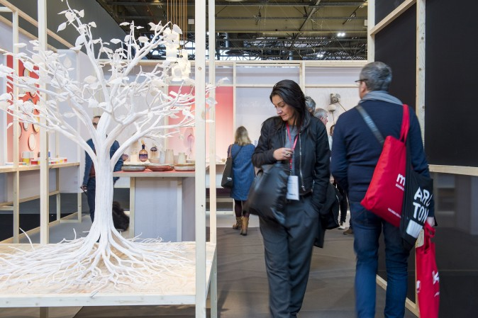People browse at the Maison & Objet lifestyle show. (Courtesy Maison & Objet)