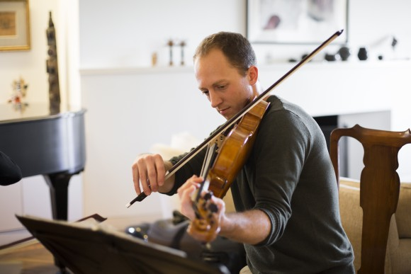 Luke Fleming, artistic director of Manhattan Chamber Players, rehearses in New York City on Jan. 25, 2017, for a Manhattan Chamber Players concert. (Samira Bouaou/Epoch Times)