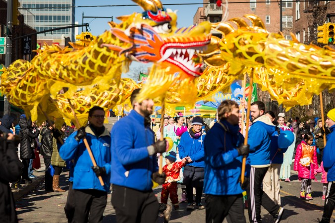 A Falun Gong dragon dance team performs at the 2017 Chinese Lunar New Year parade in Flushing, Queens, on Feb. 4, 2017. (Benjamin Chasteen/Epoch Times)