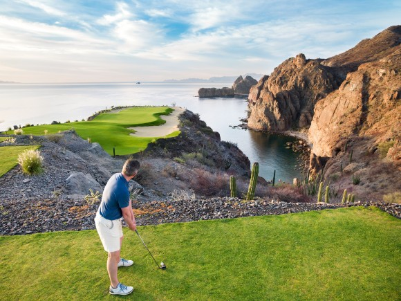Hole 17 at Danzante Bay Golf Course. (Villa del Palmar Beach Resorts & Spa)