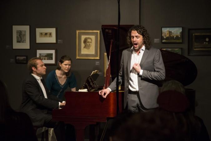 "Pianist Adam Golka and baritone John Moore perform  Schumann's ""Dichterliebe"" at Eleventh Street Arts on Jan. 12. (Samira Bouaou/Epoch Times)"