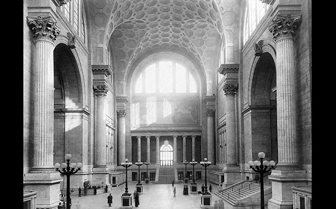 Penn Station, New York, circa 1911. (Public domain)