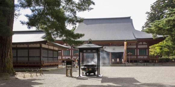 The grounds of Motsuji Temple in Hiraizumi. (Annie Wu/Epoch Times)