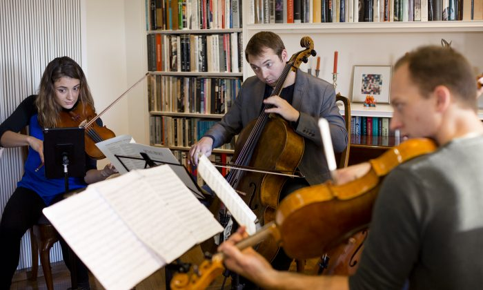 Manhattan Chamber Players rehearse in Manhattan. (Samira Bouaou/Epoch Times)