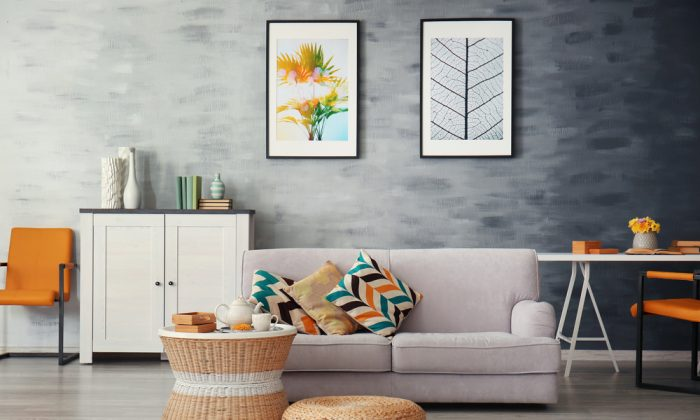 Pull colours from artwork into a room's accessories. (Africa studio/Shutterstock)