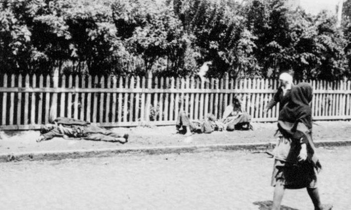 A photo taken during Ukraine's Holodomor (Public Domain)