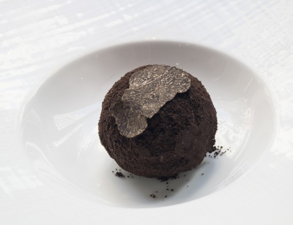 Black truffle ice cream. (Courtesy of Le Coq Rico)