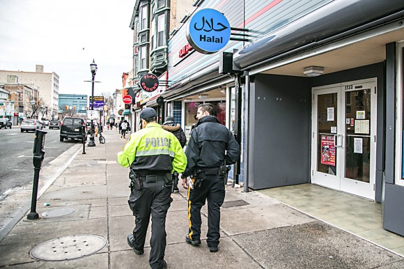 Atlantic City Police Officers make their rounds of visiting local stores in Atlantic City, N.J., on Feb. 15, 2017. (Benjamin Chasteen/Epoch Times)