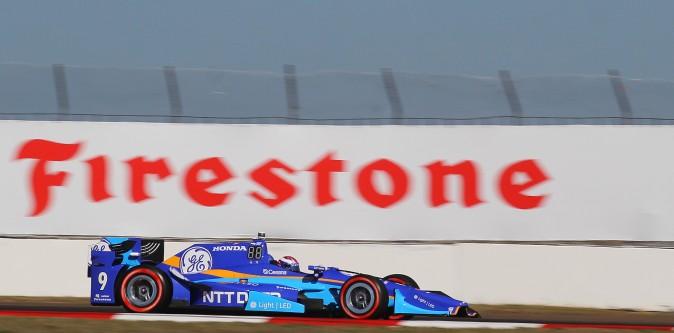 Scott Dixon, on Firestone Red tires, rounds Turn 13 during qualifying. (Chris Jasurek/Epoch Times)