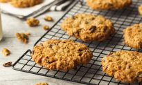 Gluten-Free and Vegan: Chewy Oatmeal Raisin Cookies