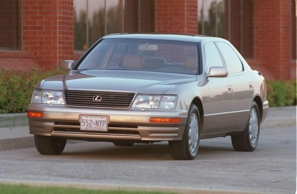 1995 Lexus LS 400 (Courtesy of Lexus/Toyota Canada)
