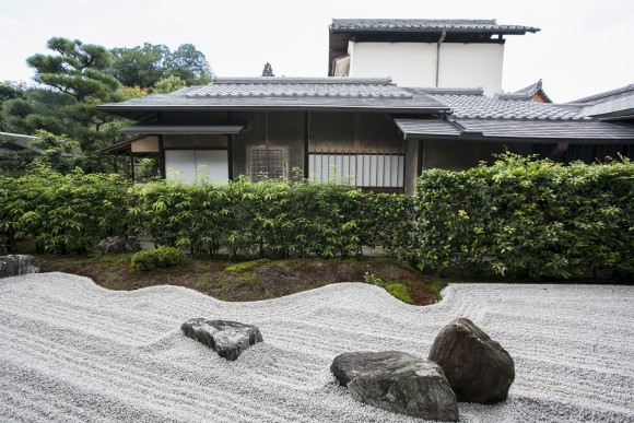 A Zen garden inside the Koto-in temple within the Daitokuji temple complex. (Annie Wu/Epoch Times)