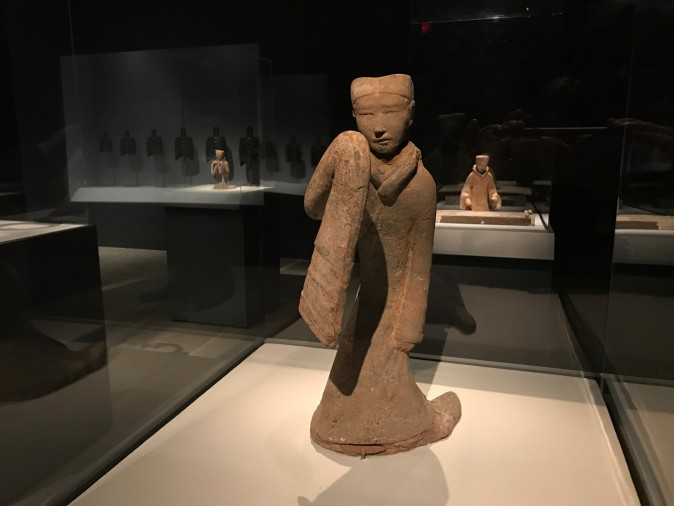 Female dancer, Western Han Dynasty (206 B.C.–A.D. 9). Earthenware with pigment, Xuzhou City Museum. (Milene Fernandez/Epoch Times)