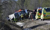 3 Dead in Crash of Bus Taking Students to Swedish Ski Resort