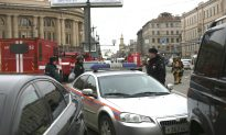 Blast on Russian Subway Kills 10, 2nd Bomb Is Defused