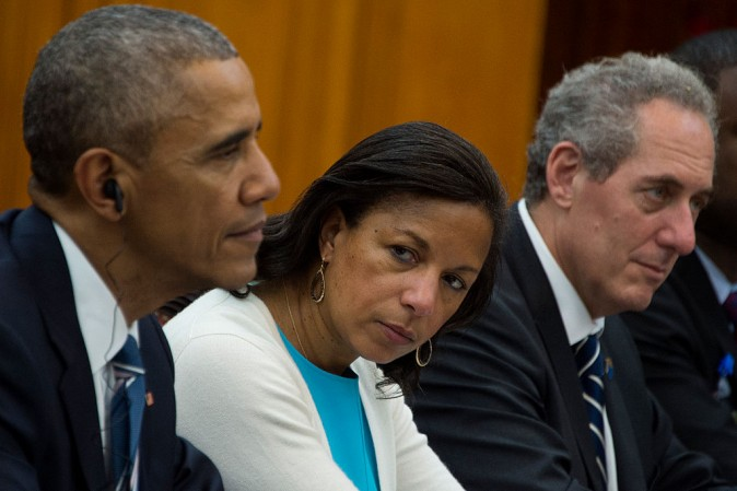 Susan Rice (C) looks on as Former President Barack Obama (L) and US Trade Representative Michael Froman (R) meet with Vietnam's Prime Minister Nguyen Xuan Phuc in Hanoi on May 23, 2016. (JIM WATSON/AFP/Getty Images)
