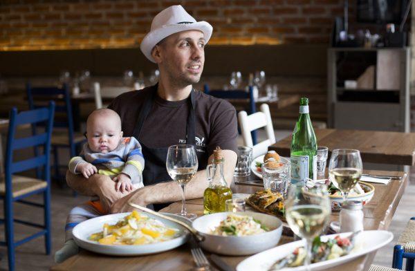 Chef Philip Guardione with his daughter, Greta. (Samira Bouaou/Epoch Times)
