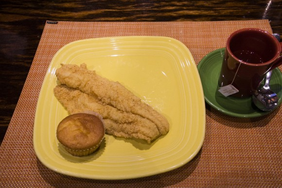 Fried catfish and cornbread muffin at Mama J's Kitchen. (Annie Wu/Epoch Times)