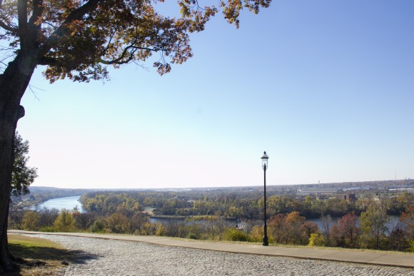 The view from Libby Hill Park in Richmond, Va., overlooking the James River. (Annie Wu/Epoch Times)