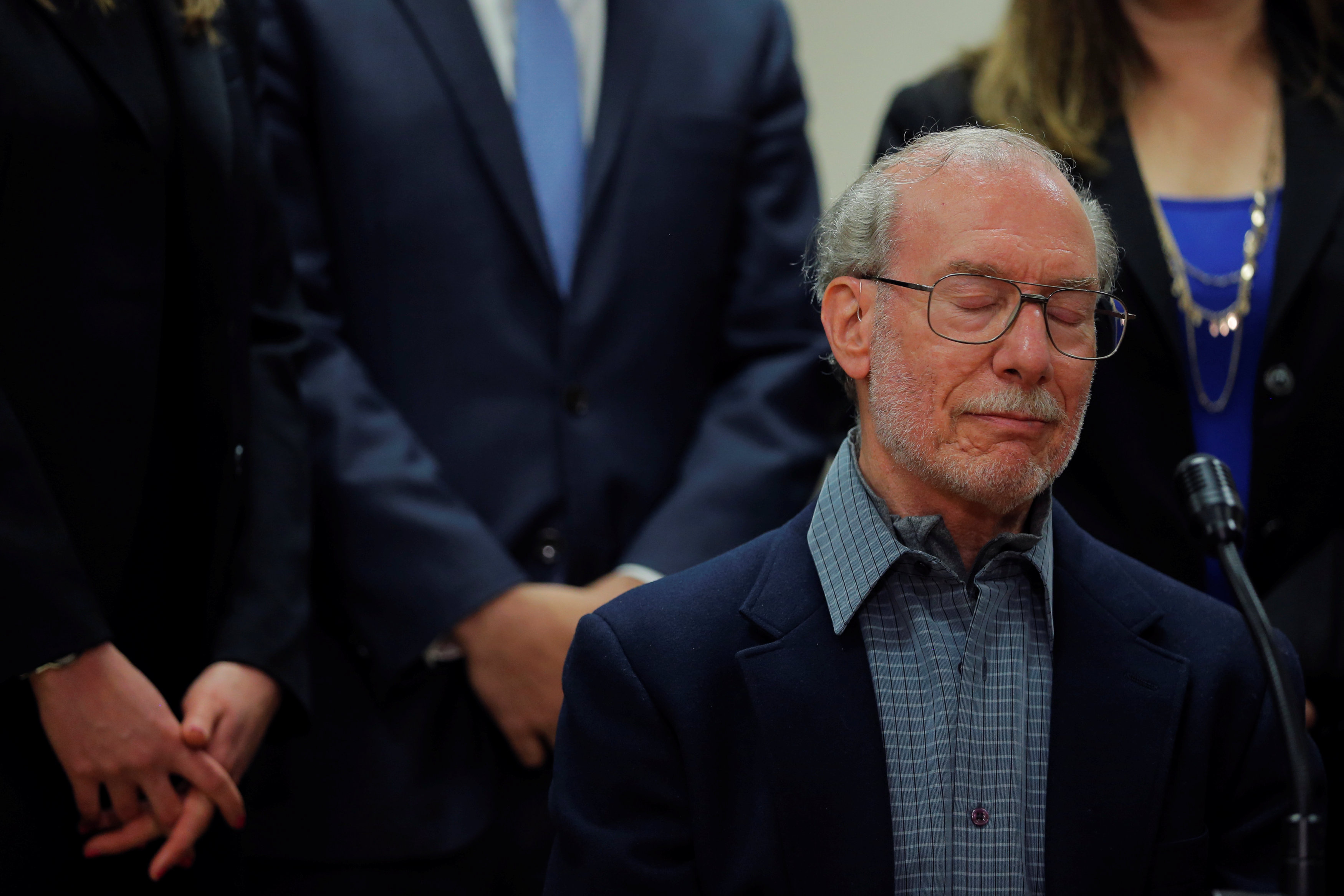 Stanley Patz, father of 1979 murder victim 6-year-old Etan Patz, at Manhattan State Supreme Court following the sentencing of Pedro Hernandez, in New York City on April 18, 2017. (REUTERS/Lucas Jackson)