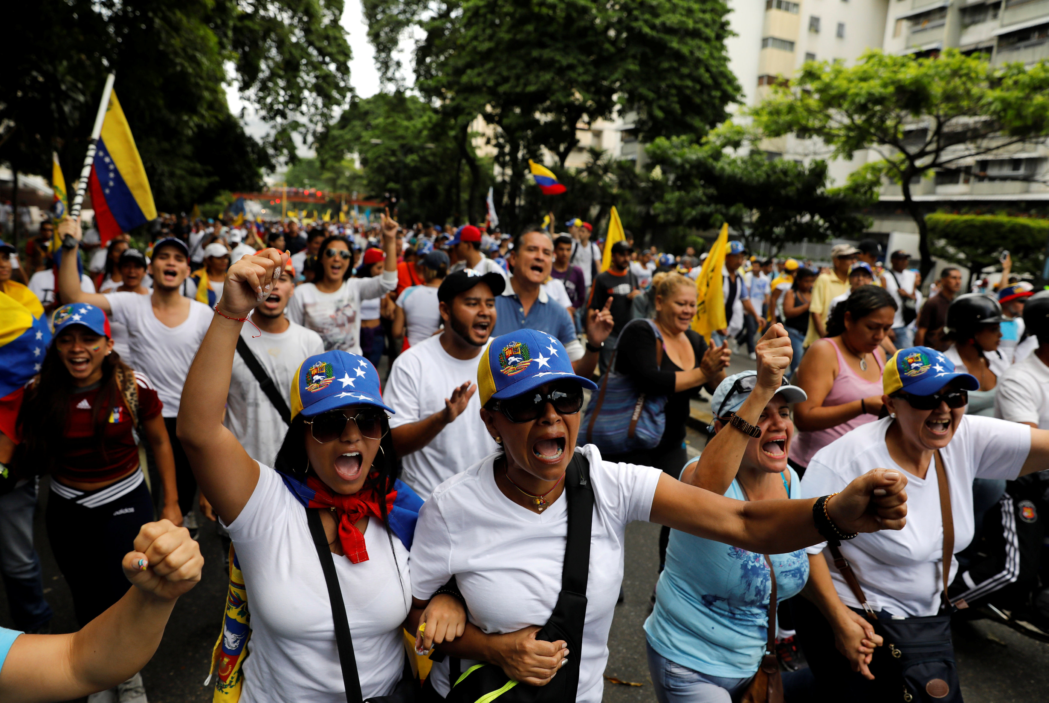 Venezuelans Again Protest Against Socialist Maduro