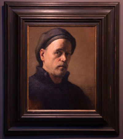 Self-portrait by artist and founder of The Florence Academy of Art Daniel Graves, on display at the Eleventh Street Arts gallery. (Benjamin Chasteen/The Epoch Times)