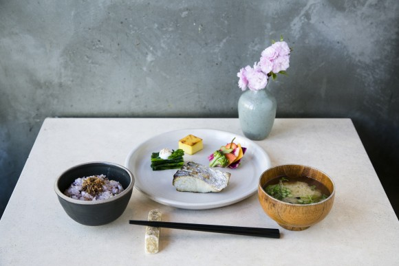 The Ichiju Sansai breakfast set with king mackerel. (Samira Bouaou/The Epoch Times)