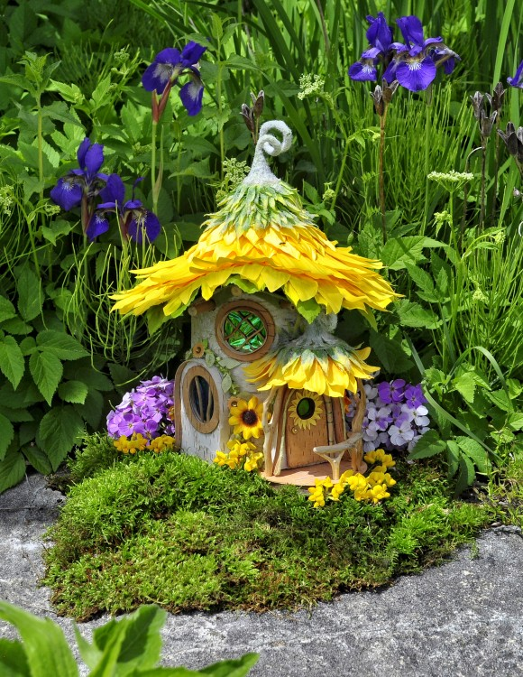 Sunflower Cottage (Courtesy of Sally J. Smith)