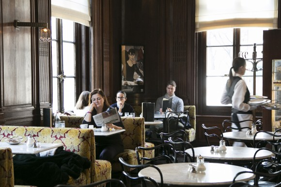 The dining room at Cafe Sabarsky. (Samira Bouaou/The Epoch Times)