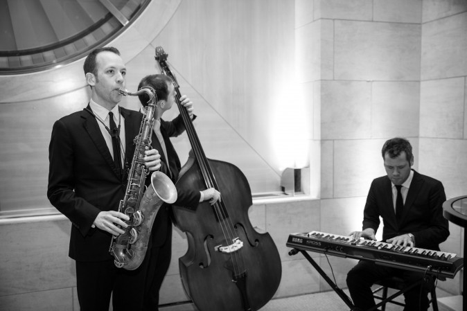 A jazz band plays at the celebration of the opening of Berkshire Hathaway HomeServices New York Properties hosted at the Four Seasons Hotel New York on April 26, 2017. (Benjamin Chasteen/The Epoch Times)
